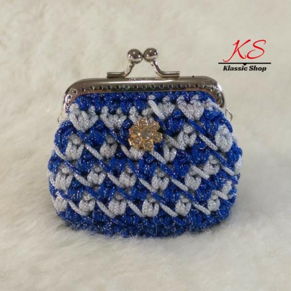 Blue-white mini crochet coin purse