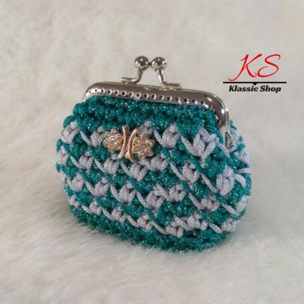 Green-white mini crochet coin purse